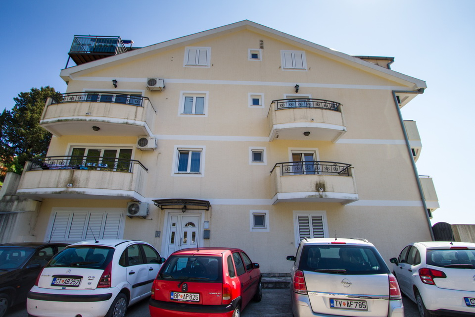 SEAVIEW APARTMENT LUKOVIC